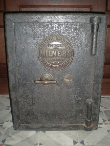 Milner Safe - B&D Safe Opening